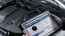 The VDO Autodiagnos VCI is available with a Panasonic Touchpad as an option to read results and carry out the diagnosis efficiently and flexibly.